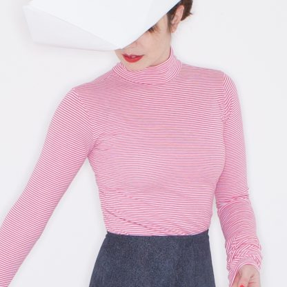 Turtle-neck with extra long sleeves