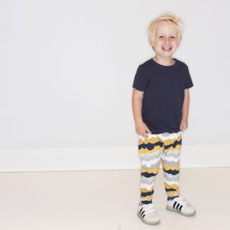 Clouds harem pants for babies & kids. No pockets or buttons for your kid's comfort. Easy fit; 95% Cotton and 5% elastine. Soft elastic band in the waist. Designed and made in Studio Catta Amsterdam Free shipping for the Netherlands.